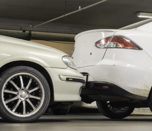 Szybka naprawa auta po wypadku na parkingu dzięki ubezpieczeniu w ERGO Hestia